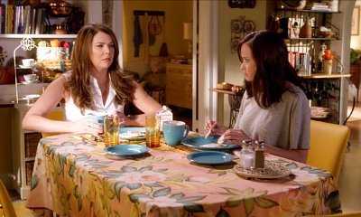 gilmore-girls-rory-talks-about-her-underwear-with-jess